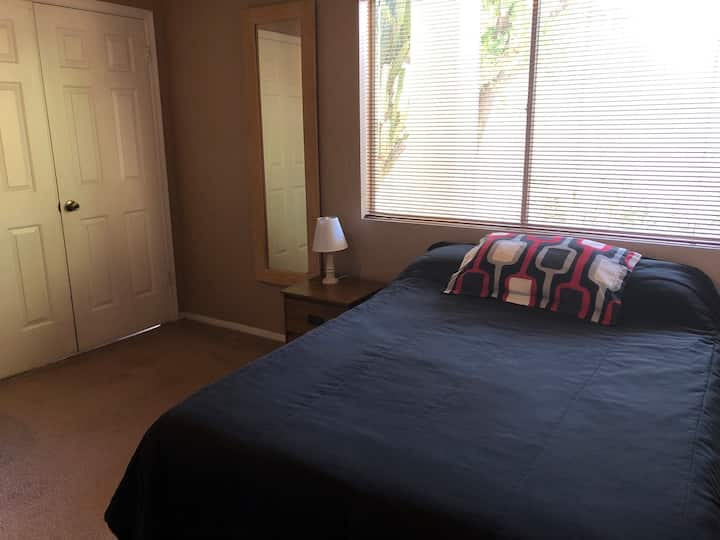 Guest bed & bath in central Chandler location!