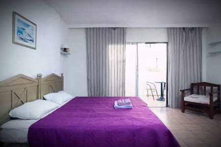 Nice Studio in Center of Playa de Las Americas!!! - Arona - Huoneisto