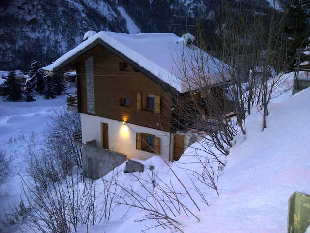 Piccolo Sogno - In the High Italian/Swiss Alps - Valtournenche - Casa