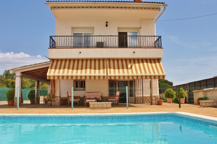 Pet friendly holiday home with free wifi and fenced  pool in Fogars de la Selva, Barcelona - CM438