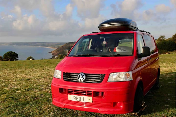 Cool and cosy VW Campervan for hire in Totnes