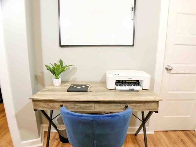 While in town on business, you'll find a desk comfortable enough to work from with office printer