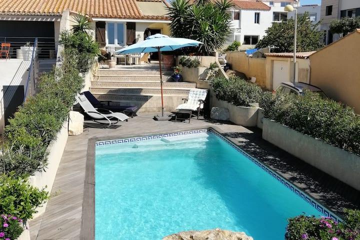 villa plein sud avec vue et piscine privée