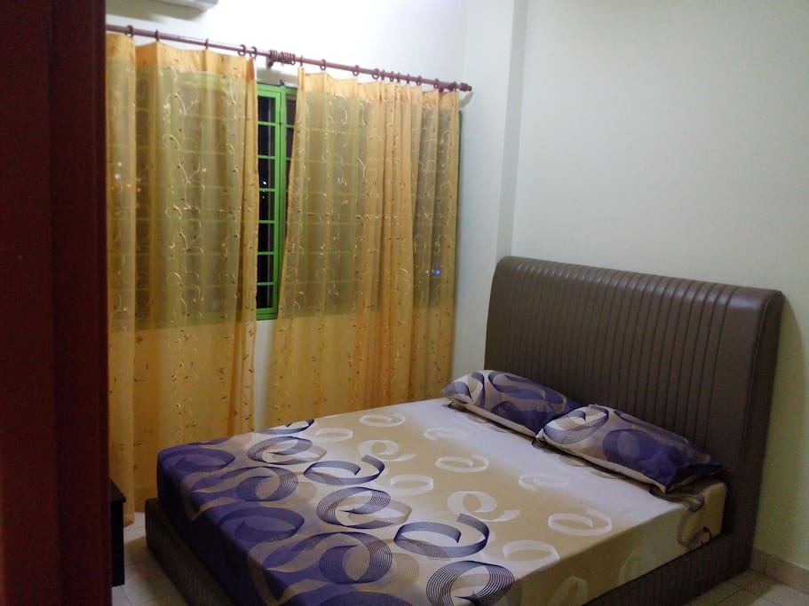 main bedroom with toilet n aircond