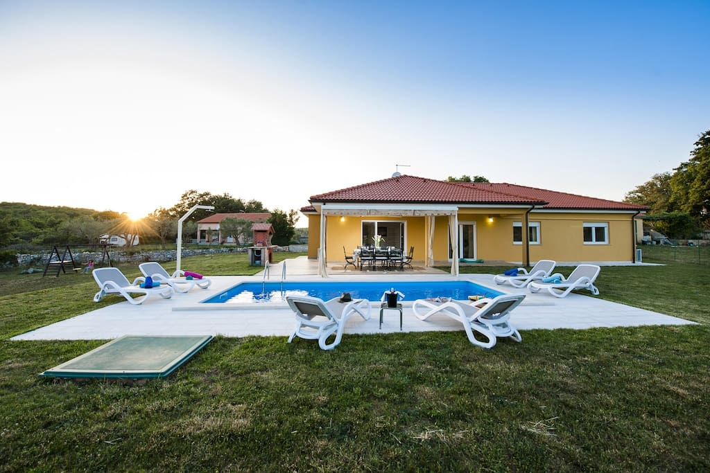 Villa Jana is a charming and stylish house in Sorici, Kanfanar.