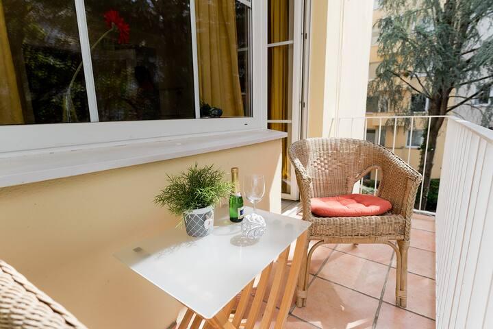 Business Apartment mit Balkon im -SP- City Special