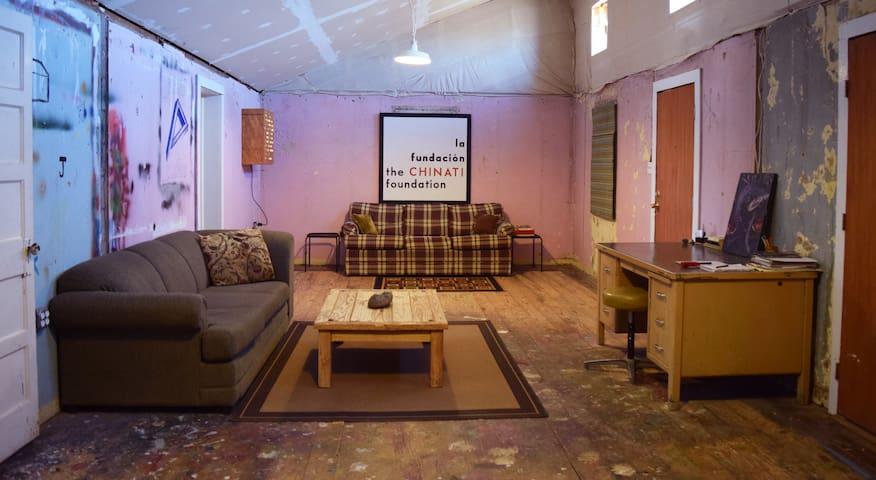 Greyfeather: funky affordable casa - Marfa - House