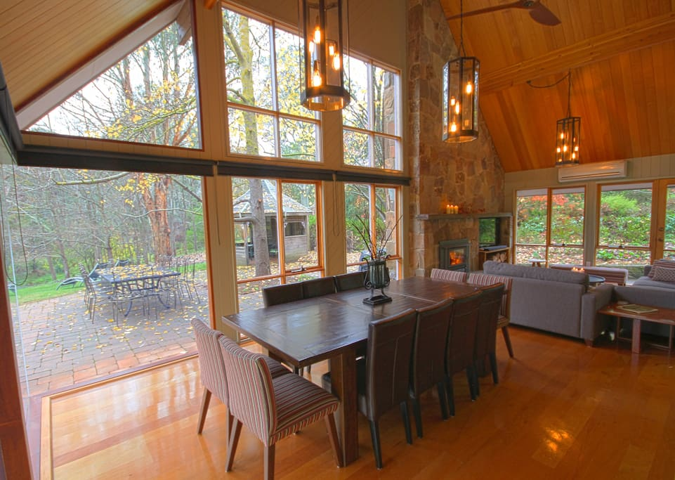 Lounge and dining space with beautiful views to the river and garden!