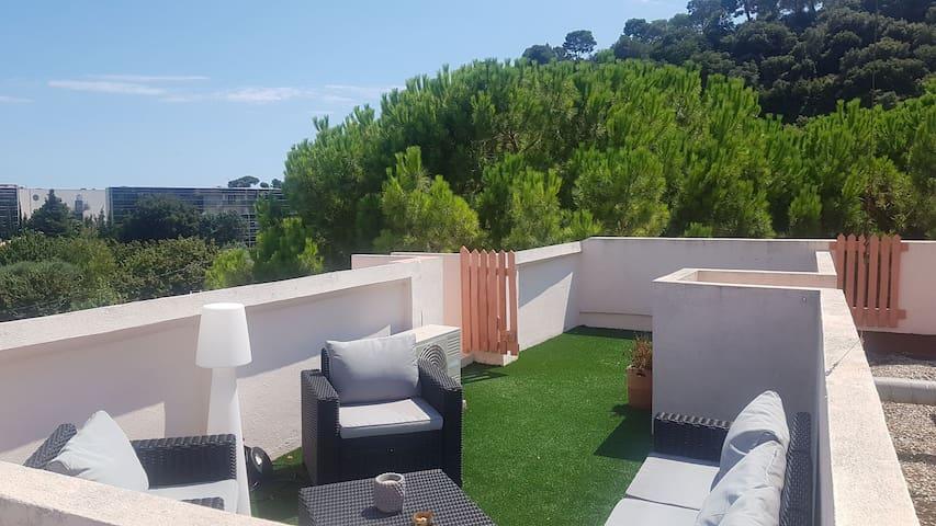 Charmant 2 pièces avec Terrasse et Rooftop