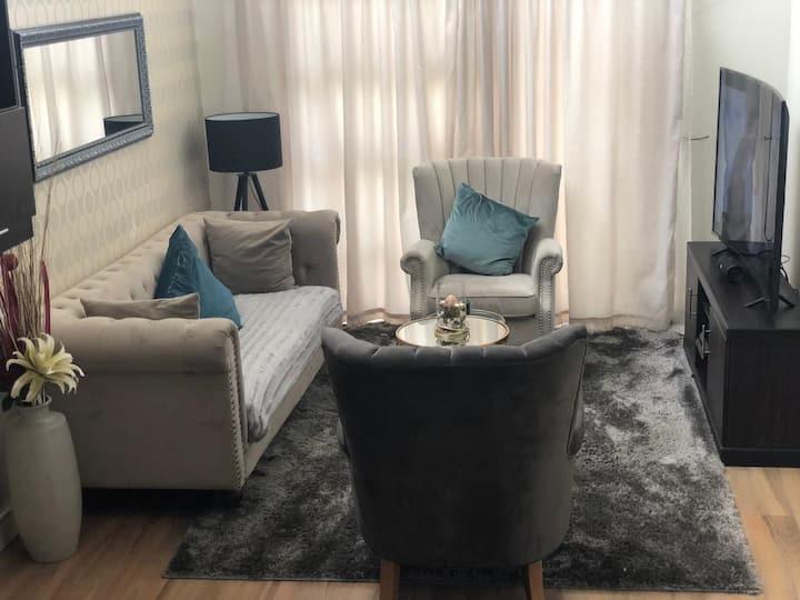 Luxury stylish apartment close to Sandton City