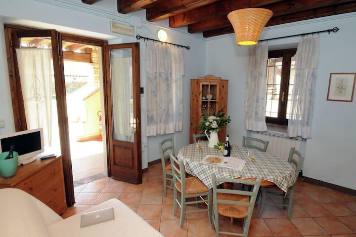 Luxuriöse Ferienwohnung mit Pool bei Monticelli Brusati