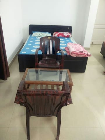 Budget furnished Ac room for stay in Calangute Goa