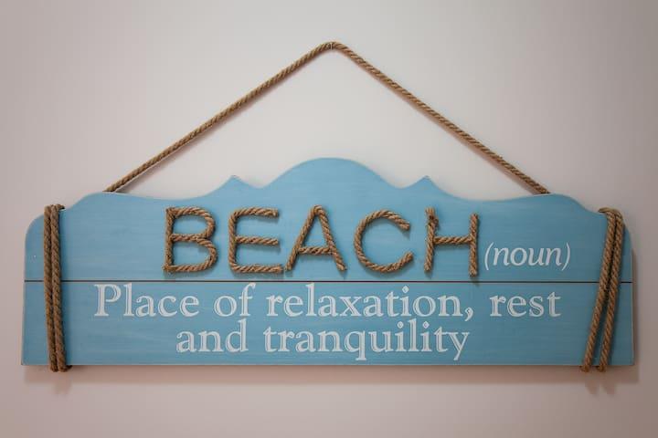 Modern Remodeled Beach Theme Coastal Apartment