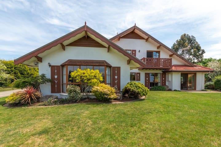 Grindelwald Holiday Cottage 2