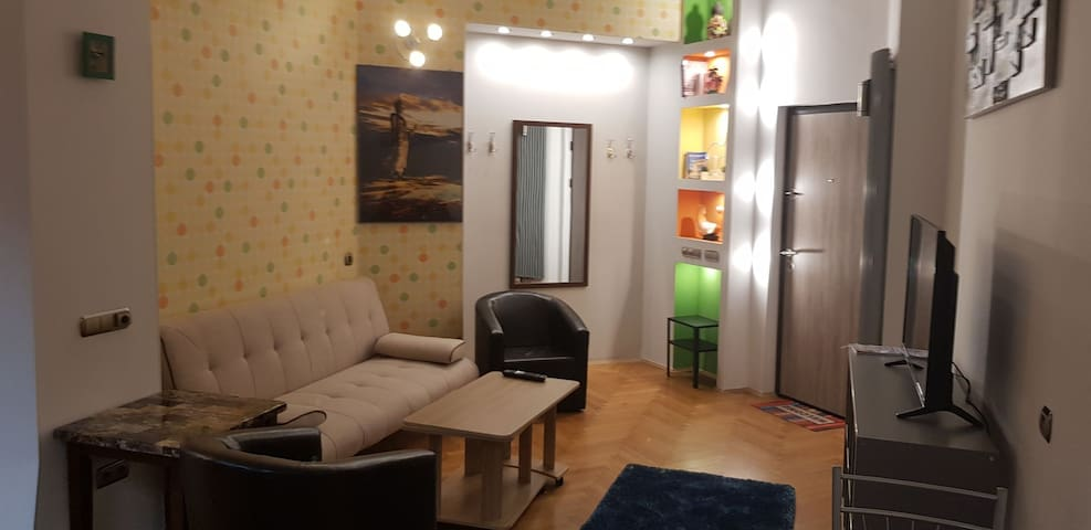 M&M 3 Rooms Top level Ap 3 Min to Old city&Univ.Sq