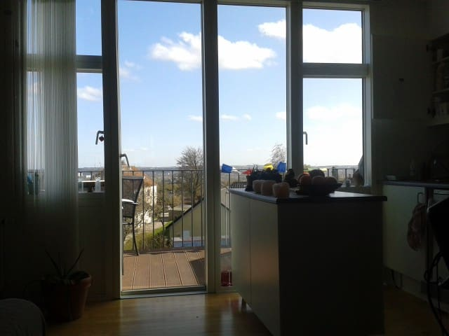 Penthouse med udsigt over byen og havet - Aarhus - Apartment