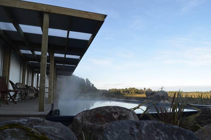 Tongariro Springs Petite Suite:.