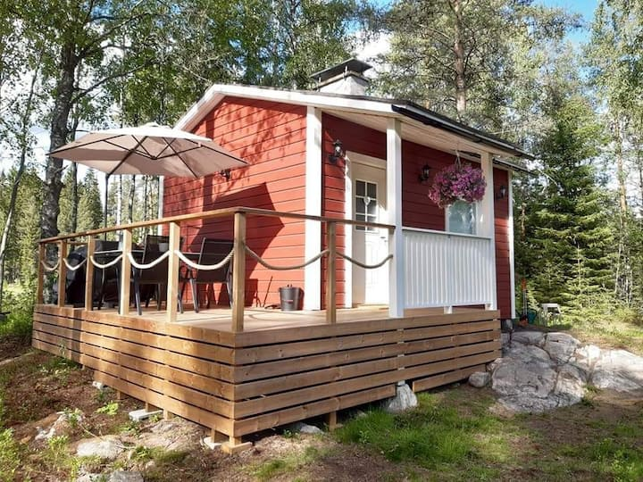 Tuuliniemi - Beautiful cottage & sauna by the lake