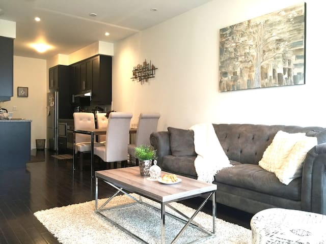 Private Room at Sunnybrook (Bayview & Lawrence)