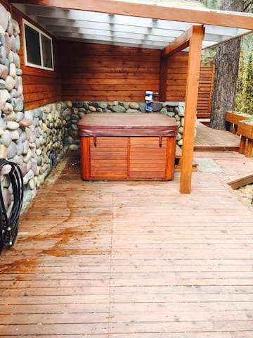 another view of the soothing hot tub