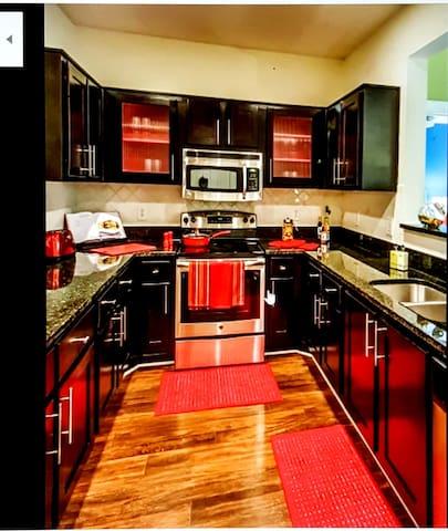Awesome Luxury apt- Sandy Springs-Dunwoody-Atlanta