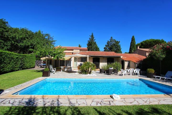 Villa avec piscine à 5mn de la plage de Bormes