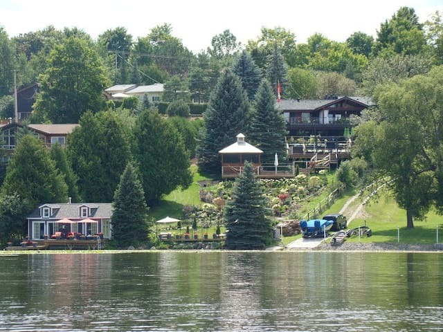 Stillwater on the Lake Garden Suite - Peterborough - Bed & Breakfast