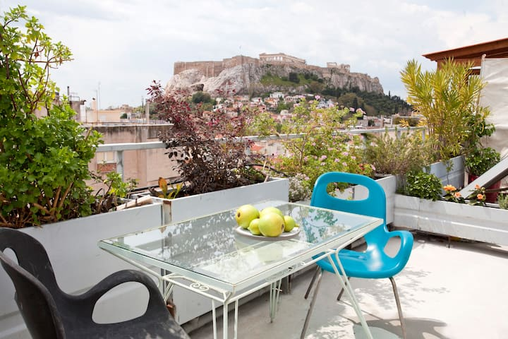 LOFT APARTMENT WITH UNIQUE ACROPOLIS VIEW