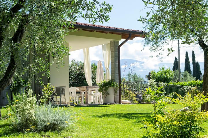New White Country house -Garda Lake