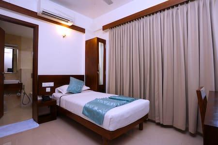 Cozy Single Room at a 3 star facility Hotel