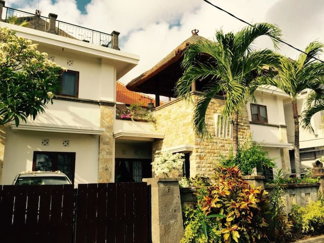 A charming 2 BR apartment on the hill of Nusa Dua