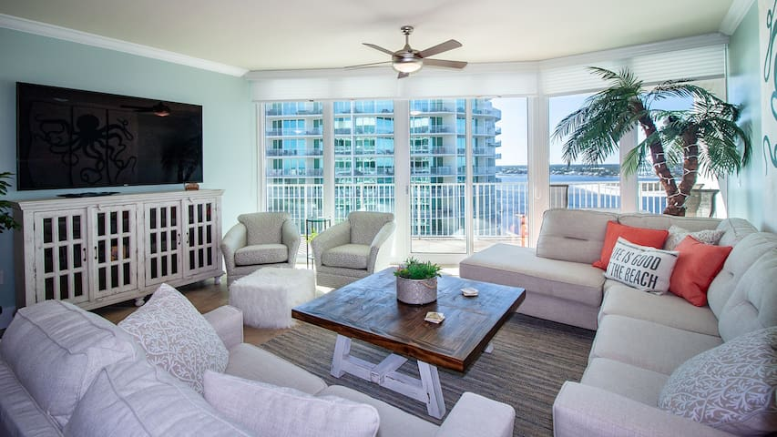 CRD1001 - Stylish Two-Bedroom Unit with - Condo