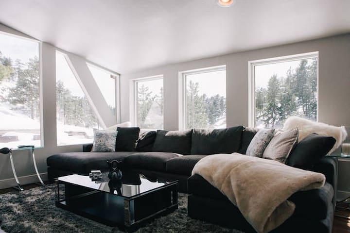 Modern mountain home on Lookout Mountain - Golden - Hus