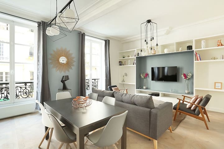 Charming Apartment on Bretagne street