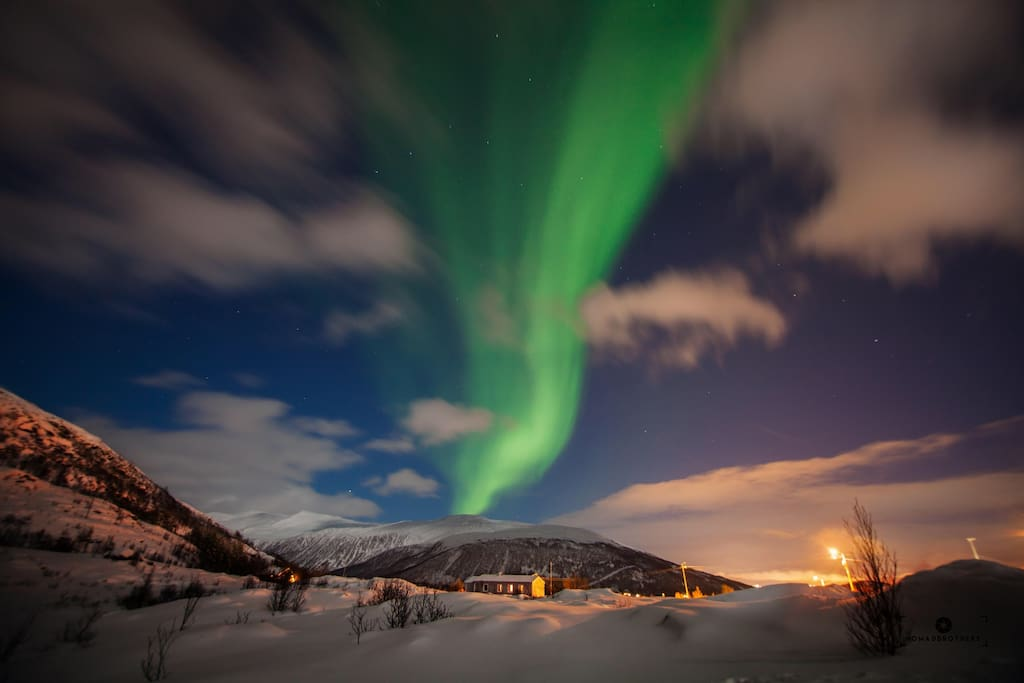 Northern light may been seen from my house. Photo taken by Greg, Nomadbrothers - an airbnbguest