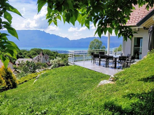Gite LaurieRaphael, superbe vue lac et montagne