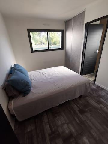 Chambre avec salle d'eau privée