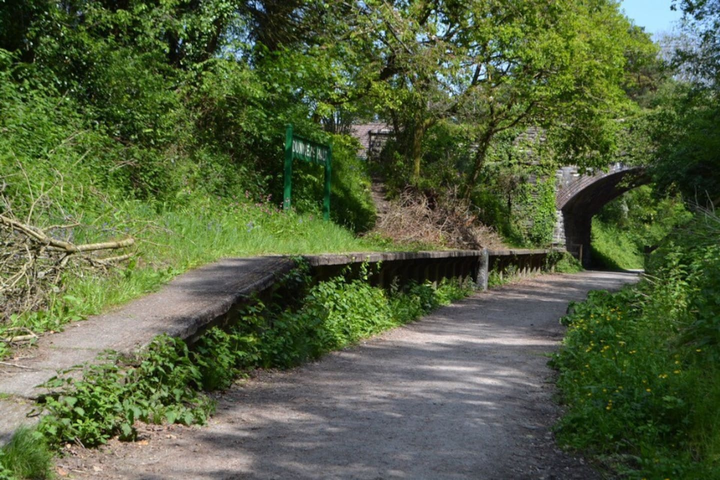 Access to the camel trail just 10 minutes cycle from the property