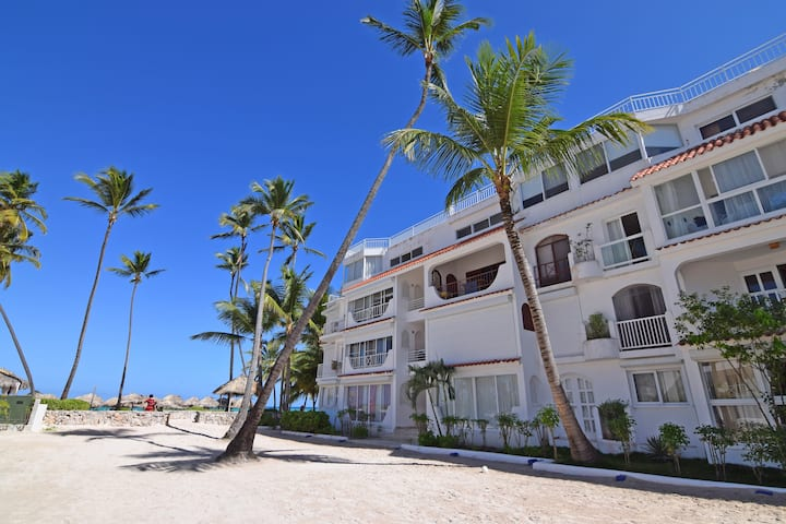 ★ Beachfront ★ Ocean view  ★ Gated  2BR w/ Parking