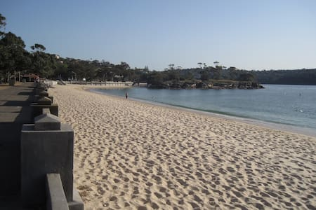 Beach Cottage at Balmoral Beach - Location! - Mosman