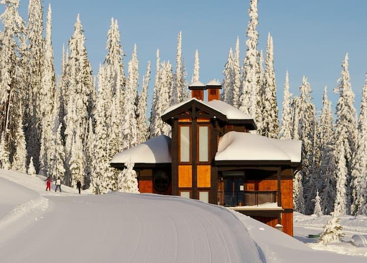 Parkers Den, Big White Ski Resort