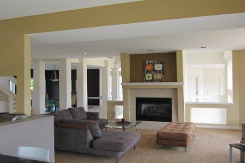 Relax!  The open concept in the family room allows you to chat with friends and family as you enjoy your stay together!