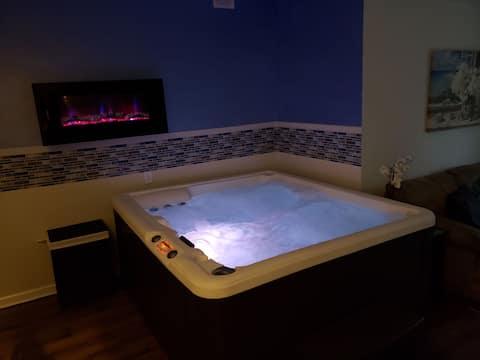 Luxury Indoor HotTub Suite!