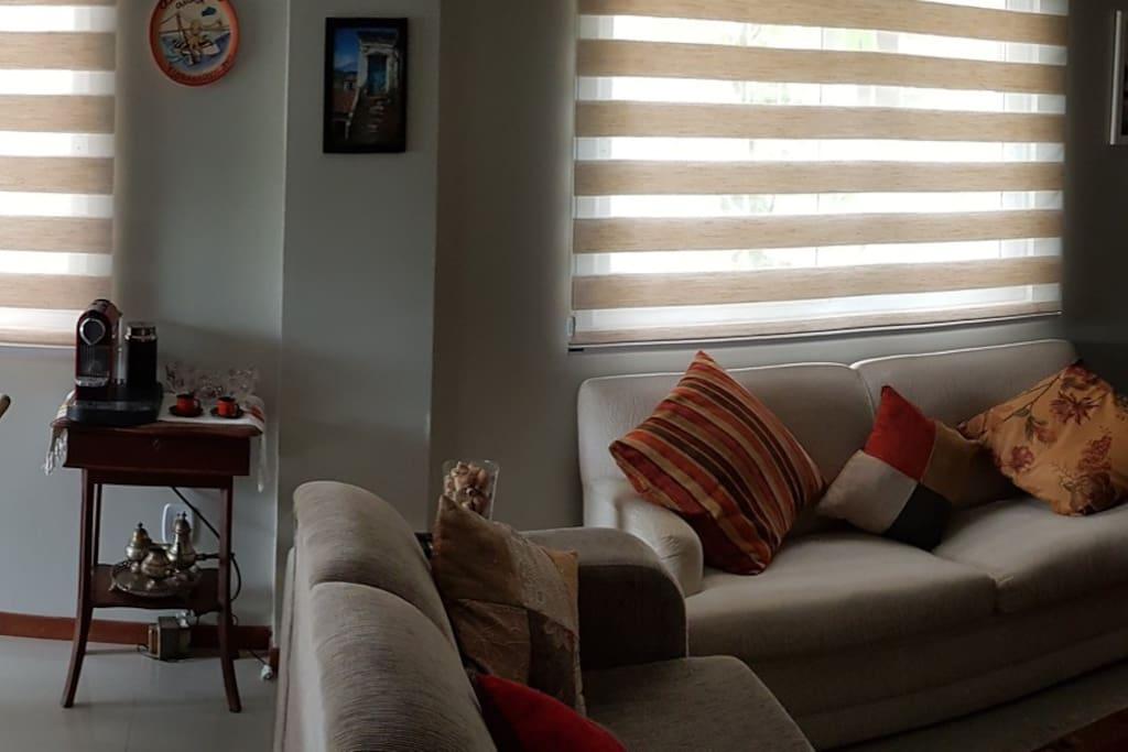 Salas de estar e jantar compartilhadas