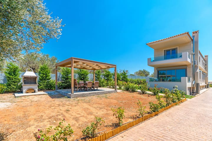 Your Home 2B (near Athens airport)