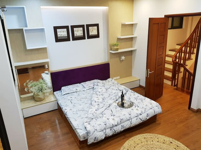 Cozy Apartment in Hanoi Old Quater  with City View