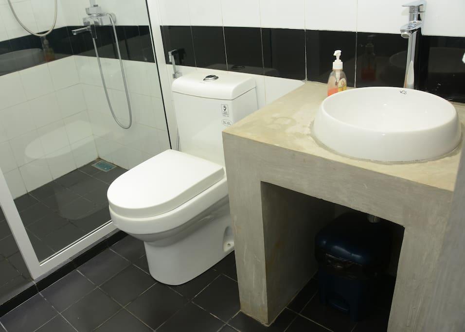 Clean Washroom Facilities