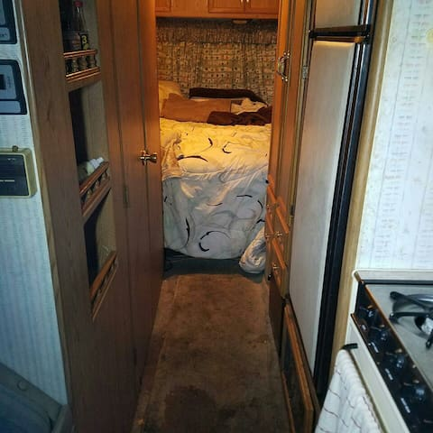 Cozy RV for getaway or family vaca - gerlach - ツリーハウス