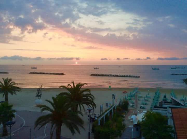 FIRST ROW ON THE SEA-Marina Grande