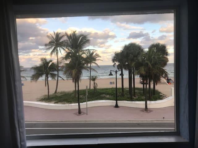 Fort Lauderdale Beach Oceanview Apt
